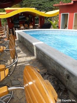 Fields Walking Street Hotel Pampanga Outdoor Pool
