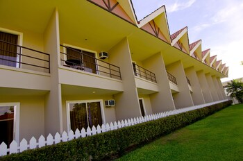 Camp Holiday Resort & Recreation Area Davao Hotel Front