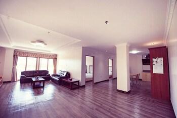 Clarkk Renaissance Hotel Clark Living Room