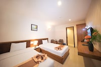 Superior Twin Room, 2 Twin Beds, No Windows