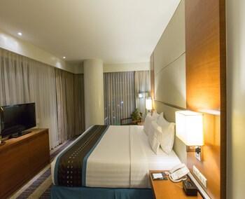 Best Western Plus Lex Cebu Guestroom
