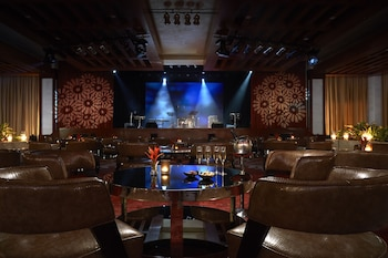 Solaire Hotel Manila Hotel Lounge