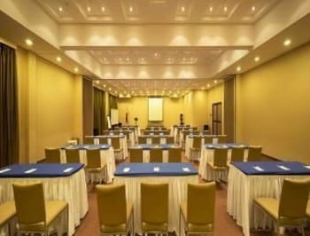 Microtel Gensan Meeting Facility