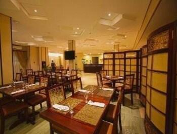 Microtel Gensan Restaurant
