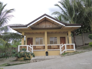 Moalboal Beach Resort Hotel Front