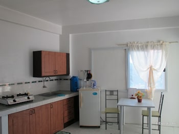 Dream Hill Condos Puerto Galera In-Room Kitchen