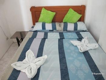 Dream Hill Condos Puerto Galera Guestroom
