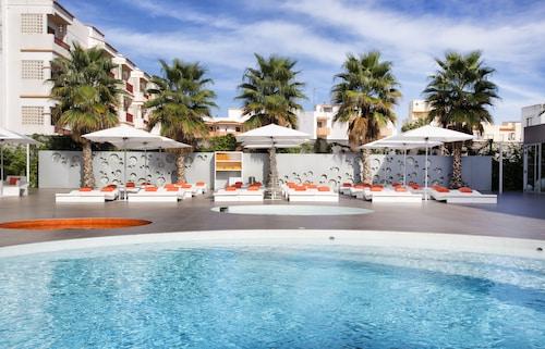 老伊維薩太陽公寓飯店