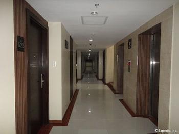 Golden Prince Hotel Cebu Hallway