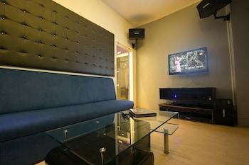 Best Western Sand Bar Resort Cebu Living Area