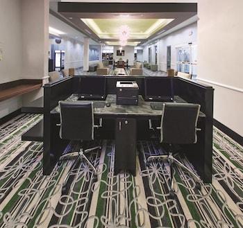 La Quinta Inn & Suites Houston NW Beltway 8 West RD