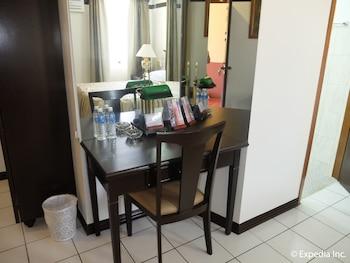 Orchid Inn Resort Pampanga In-Room Dining