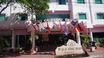Wild Orchid Resort Subic Hotel Front