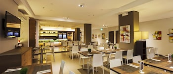 Microtel Acropolis Dining