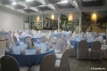 Orchid Garden Suites Manila Banquet Hall