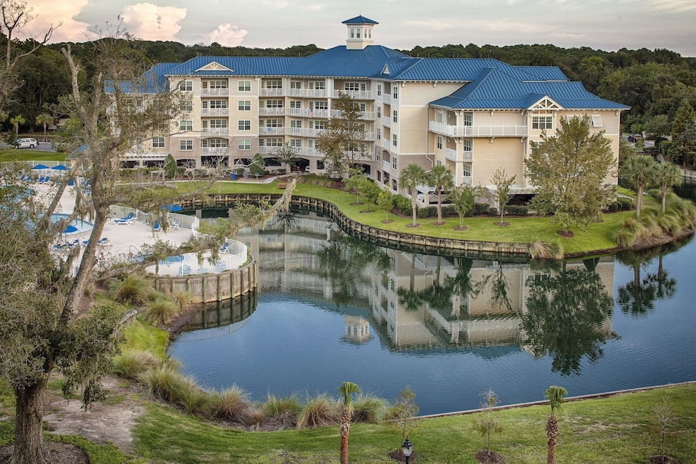 Bluewater Resort & Marina by Spinnaker Resorts