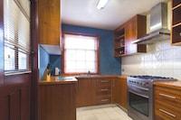 City Apartment, 3 Bedrooms, Kitchen, City View