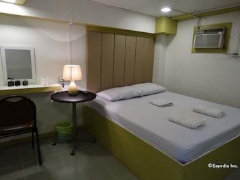 Gaius Pension Inn Manila Guestroom