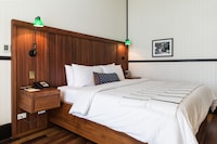 Room, 1 King Bed (Cuarto Chico)