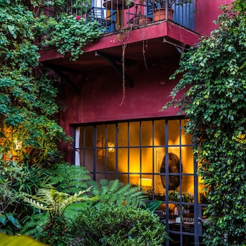 Be Jardin Escondido by Coppola