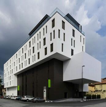 MÙ Hotel