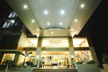 Big 8 Corporate Hotel Davao Hotel Entrance