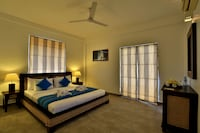 Standard Suite, 1 King Bed, Balcony