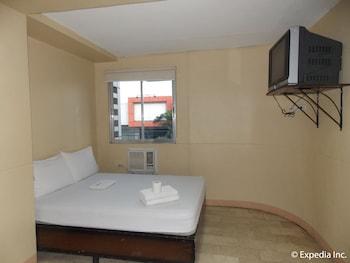 Gv Hotel Talisay City Guestroom