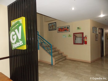 Gv Hotel Talisay City Staircase
