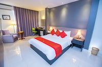 Deluxe Double Room (Free Airport Pick Up)