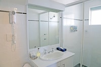 Deluxe Apartment, 2 Bedrooms, Jetted Tub