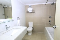 Standard Room, Multiple Beds, Non Smoking, Kitchenette