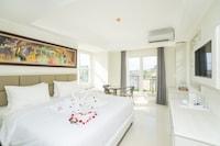 Deluxe Room (with Balcony)