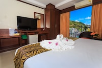 Deluxe Double Room, 1 King Bed, Balcony, City View