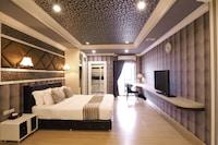 Royal Deluxe Studio King Bed