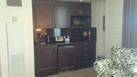 Intracoastal View - One Bedroom Suite with Kitchen