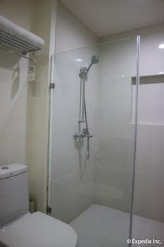 Seda Nuvali Laguna Bathroom Shower