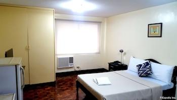 The Victor Hotel Makati Guestroom