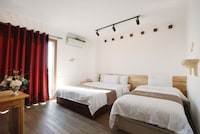 Deluxe Twin Room (Shuttle Service until 11:00 PM)