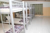 Garden View 8 Bedded (Bedding - 4 Bunk Bed / Double Decker)