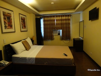 Silver Oaks Suite Hotel Manila Guestroom