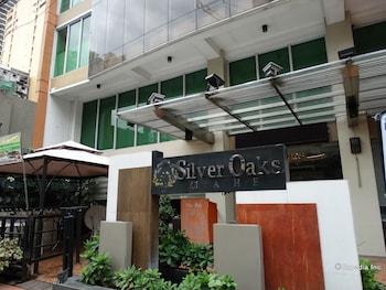 Silver Oaks Suite Hotel Manila Featured Image