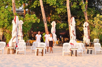 Cocoloco Boracay Beach Resort Beach