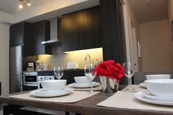 Atlas Suites - CN Tower & Convention Centre- Furnished Apart