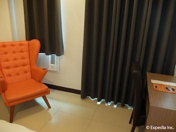 Apollonia Royale Hotel Clark In-Room Amenity