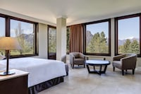 Grand Room, Golf View