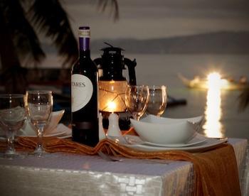 Puerto Galera Beach Club Outdoor Dining