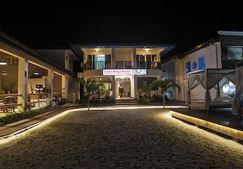 Puerto Galera Beach Club Hotel Front