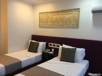 The Metrocentre Hotel and Convention Center Bohol Guestroom