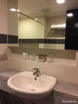 The Metrocentre Hotel and Convention Center Bohol Bathroom Sink